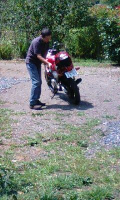 バイクで来たヒト